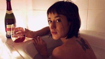 Camila Salazar mostró fotos tomándose un baño de inmersión con su novio