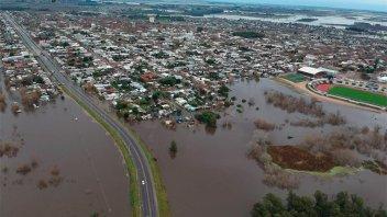 Inundaciones: Al menos 2.500 evacuados en Uruguay tras las intensas lluvias