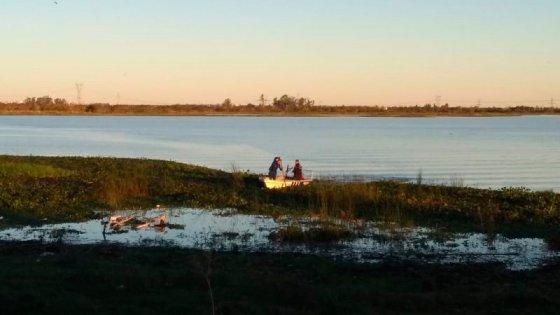Joven pescador cayó al río Colastiné: Su esposa vio cuando pedía ayuda