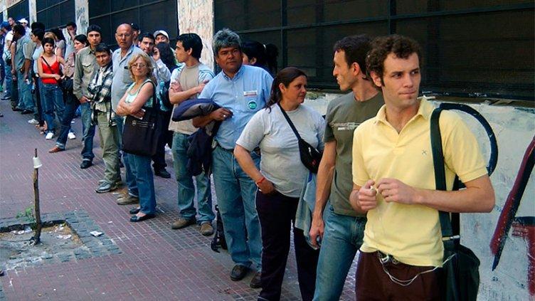 La desocupación trepó a las dos cifras y es de 10,1%, el mayor nivel en 13 años