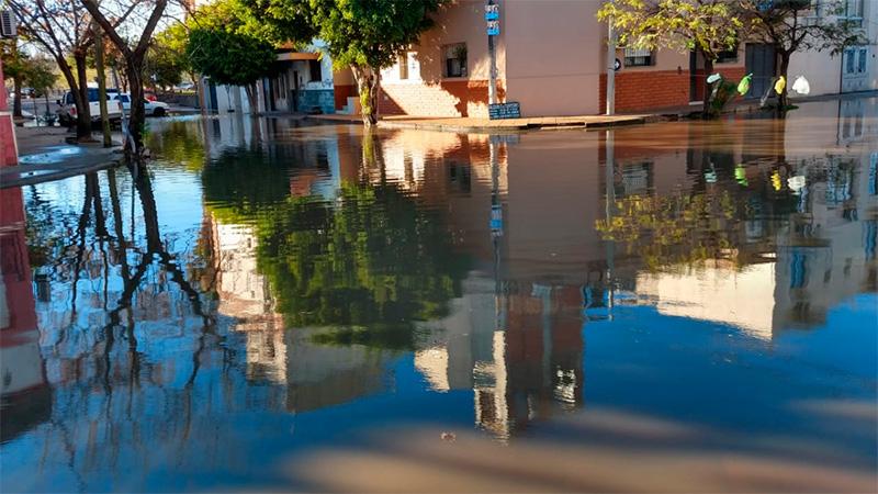 El agua en la zona de la Costanera
