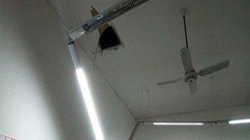 Cayeron las luminarias y debieron clausurar un aula de una escuela