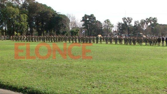 Video: El himno entonado por soldados voluntarios en Paraná