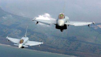 Dos cazas de combate se estrellaron tras chocar en el aire en Alemania