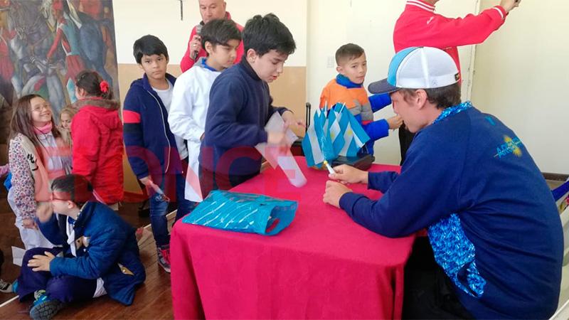 Un campeón del mundo propone que se enseñe softbol en las escuelas de Paraná