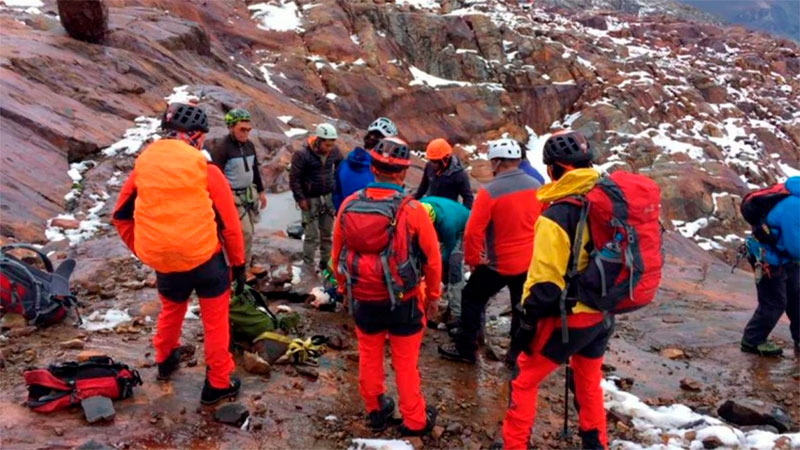 Fallecieron dos montañistas argentinos mientras escalaban en Perú — Tragedia