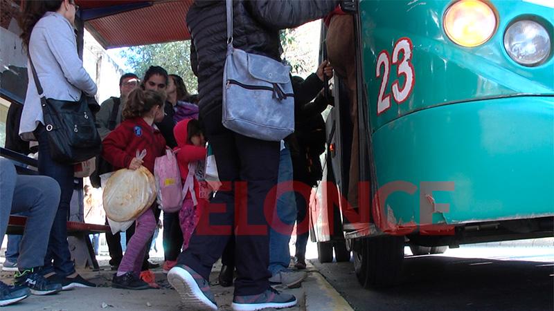 UTA advirtió una nueva quita de colectivos del servicio de transporte urbano