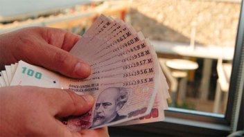 El gobierno pagaría un bono de 5.000 pesos a unos 100.000 desocupados
