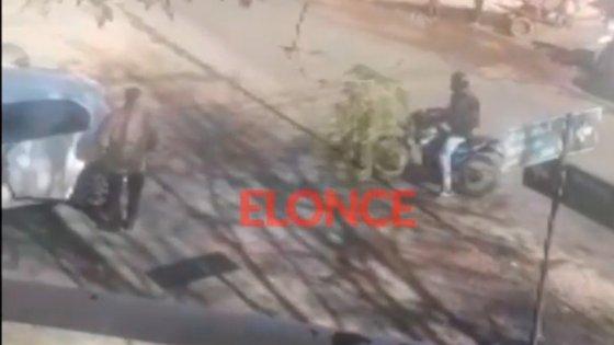 Video: Motociclista golpeó a un conductor tras discusión de tránsito