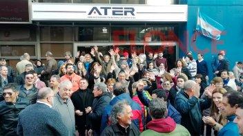 Trabajadores de ATER protestaron por el recorte de un adicional en su salario