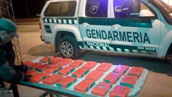 Trasladaban más de 25 kilos de cocaína en una moto