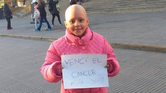 Una gran luchadora: Tiene 8 años, superó 52 quimios y venció el cáncer