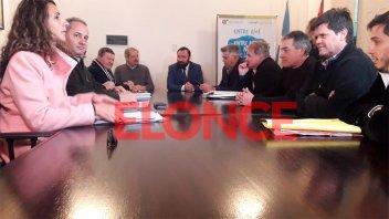 Paro de colectivos: Retoman a la tarde las negociaciones entre BusesParaná y UTA