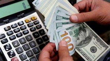 El dólar vuelve a subir y en algunos bancos ya se vende a más de 47 pesos