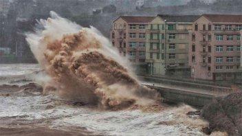 Al menos 18 muertos y 14 desaparecidos a causa del tifón Lekima en China