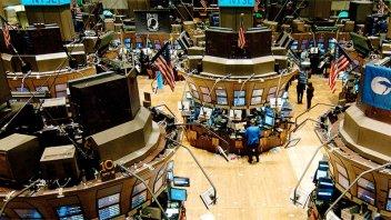 Se derrumban hasta 54% las acciones de las compañías argentinas