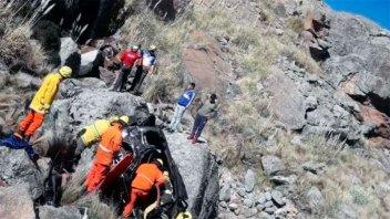 Niño trepó 100 metros para salvar a su familia tras un accidente