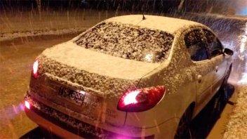 La nieve sorprendió a varias ciudades en la provincia de Buenos Aires: Imágenes
