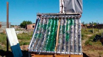 Una escuela de Concordia  ya tiene operativo su termotanque solar casero