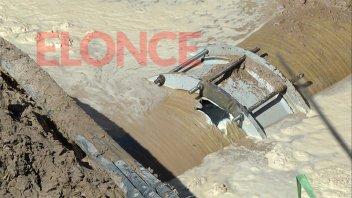 Sin agua en la ciudad: A las 18 finalizaría la reparación del caño maestro