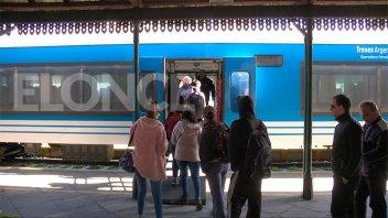 Ante la demanda, el tren hacia Colonia Avellaneda colocó un refuerzo