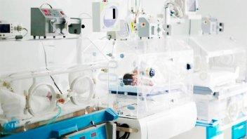 Trigemelas nacidas el lunes se encuentran en estado crítico y con respirador