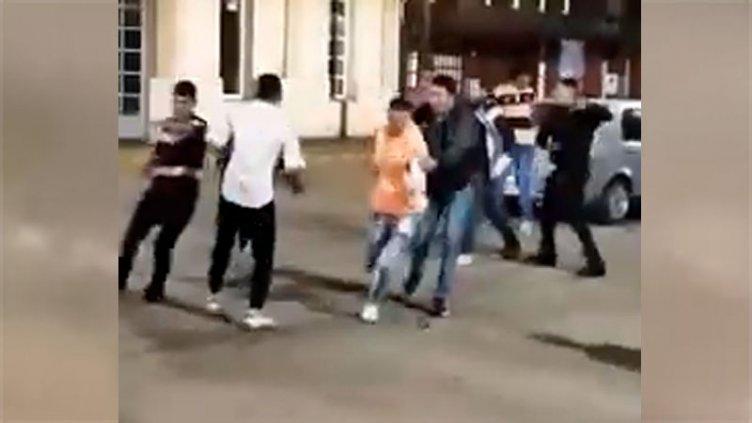 Video: Jóvenes resultaron heridos tras pelearse después del boliche