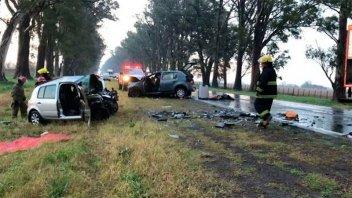 Tremendo accidente dejó tres muertos y varios heridos en ruta de Buenos Aires