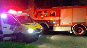 Vecinos incendiaron la casa de sujetos acusados de robar en el barrio