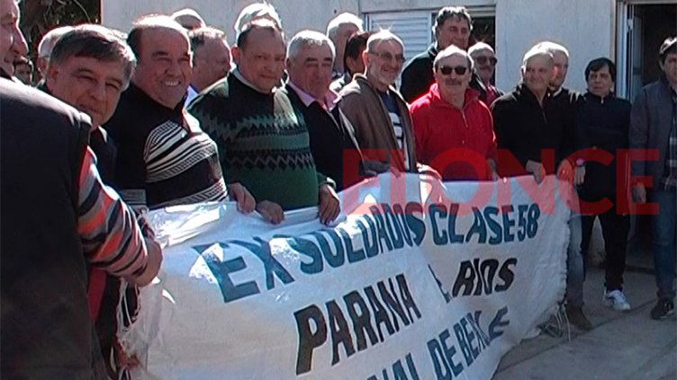 Emocionados hasta las lágrimas, ex soldados se reencontraron en Paraná