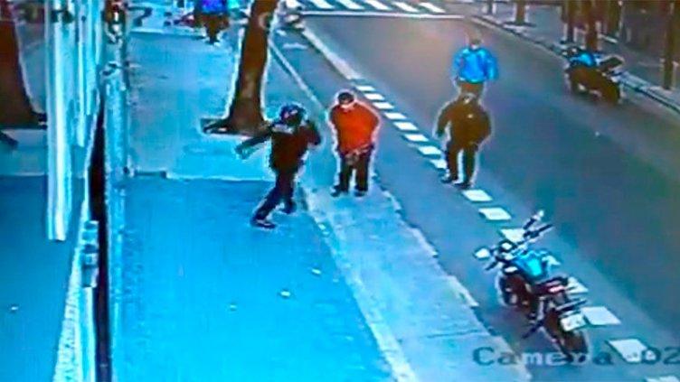 Declaró el policía que pateó a un hombre provocando su muerte