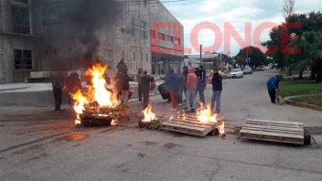Video: Protesta de trabajadores despedidos de una constructora en Seguí