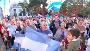 Se replicó en Paraná la concentración en apoyo al gobierno nacional