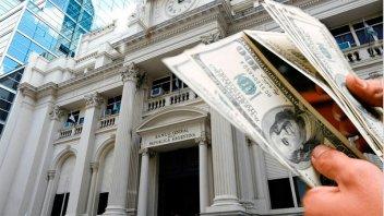 Dólar: crean sistema que bloquea compras arriba de u$s10.000