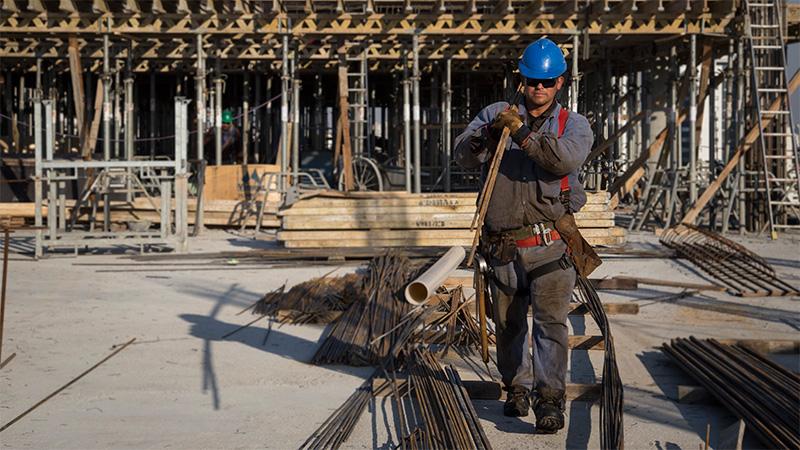 En septiembre, la industria cayó 5,1% y la construcción se desplomó 8,5%