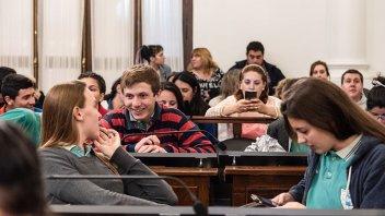 Inicia el viernes en Paraná la instancia departamental del Senado Juvenil