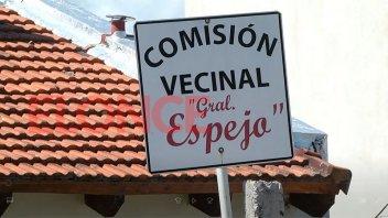 Vecinos preocupados: los Siboldi cumplen domiciliaria en casa de barrio Paracao