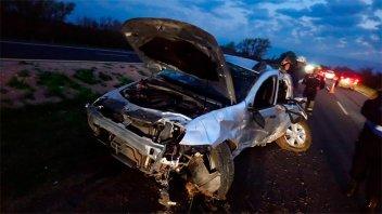 Tremendo despiste y vuelco sobre Ruta 12 culminó con cuatro hospitalizados