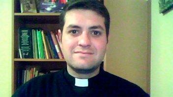 En la misa, un cura les confesó a los fieles que dejaba la Iglesia