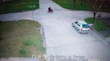 Video muestra como el presunto asesino lleva en moto a joven hallada enterrada
