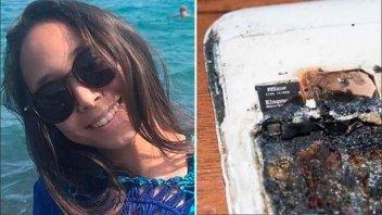 Una adolescente murió al explotar su celular mientras dormía