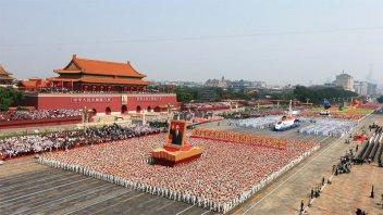 China celebró sus 70 años con el mayor desfile militar de su historia