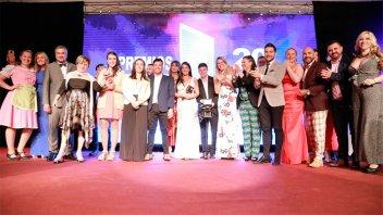 Noticias de Elonce TV y El Ventilador fueron galardonados en los Premios AET
