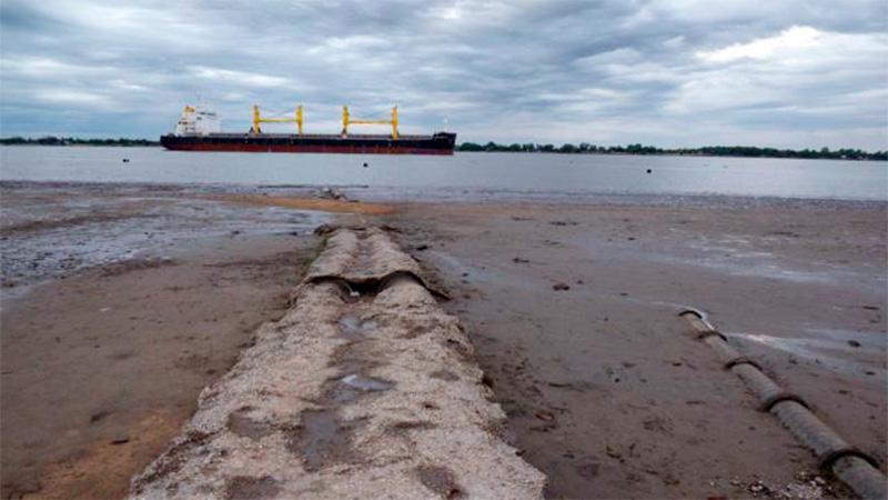Bajante del Paraná complica actividad portuaria en Rosario