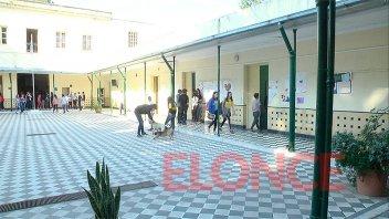 Alumnos de Escuela Alberdi producen lo que se comercializa en la proveeduría