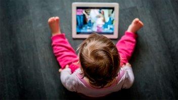 La OMS alertó sobre el aumento de miopía debido al intenso uso de pantallas
