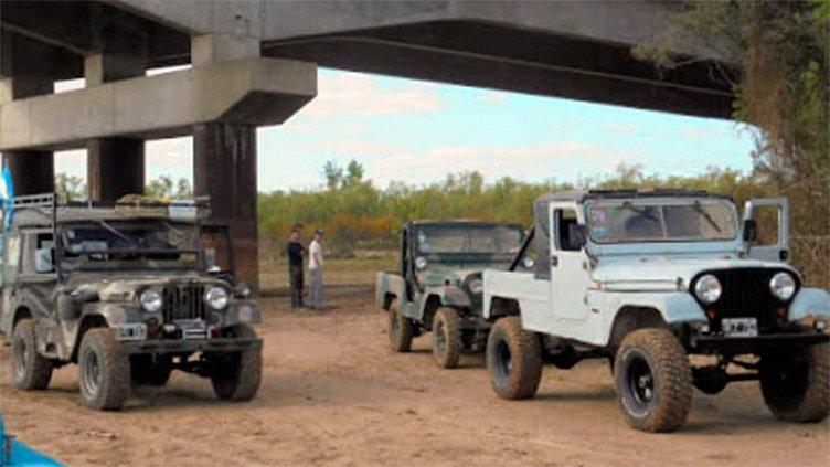 Vehículos invaden las islas entrerrianas por la bajante del Paraná