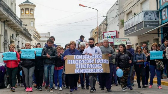 Gualeguaychú: Marcharon pidiendo la liberación de policía que mató a un joven