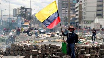 Se abrió instancia de diálogo y se levantó temporalmente toque de queda en Quito
