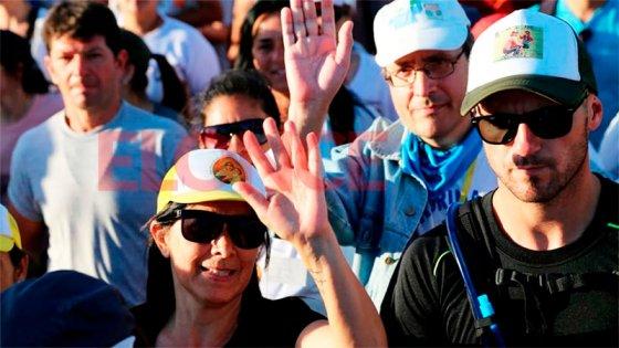 Fotos de la renovada expresión de fe: miles de peregrinos caminan hacia Paraná